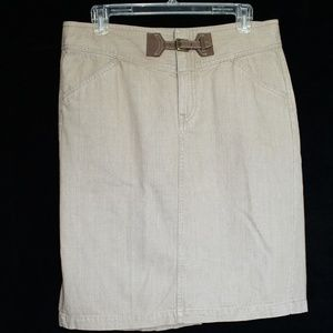 Ralph Lauren beige jeans skirt with buckle sz 10